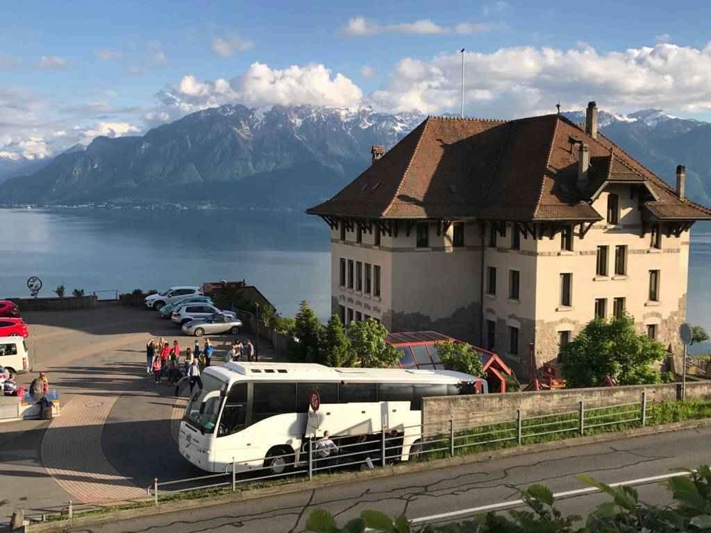 bus-car-vevey-voyages-remy