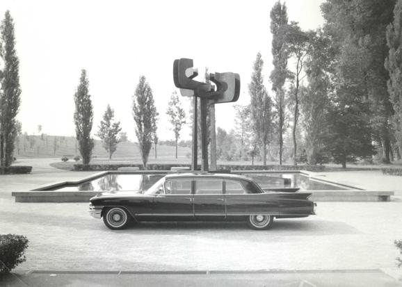 limousine-ancienne-historique-voyages-remy