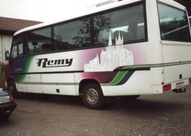 minibus-ancien-voyages-remy